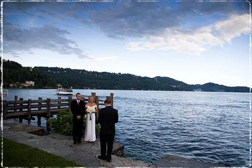 cerimonia-intima-sul-lago