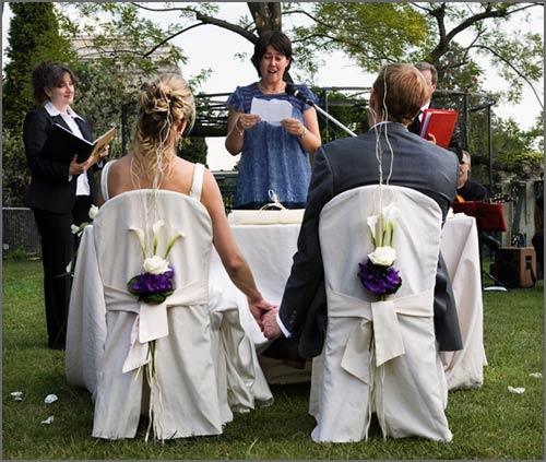 Addobbo-floreale-sedie-per-cerimonia