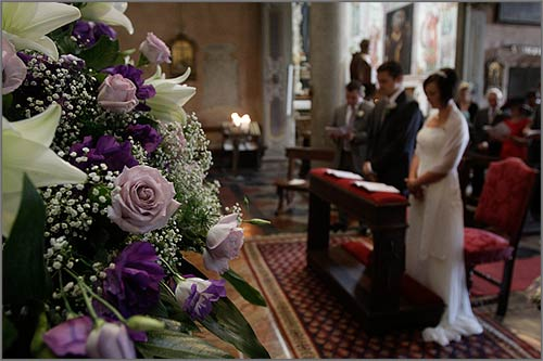 Addobbi-floreali-chiesa-Assunta-Orta