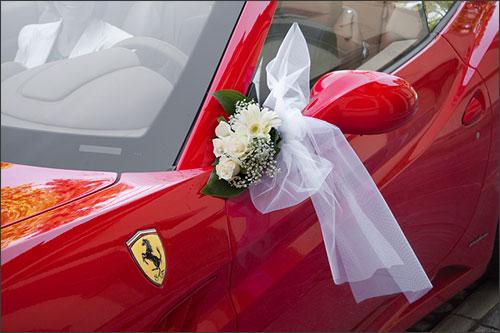 Matrimonio In Ferrari : Matrimonio rosso ferrari sul lago d ™orta