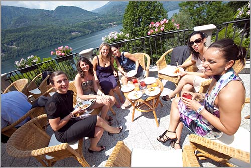 buffet-in-terrazza-vista-lago-Orta