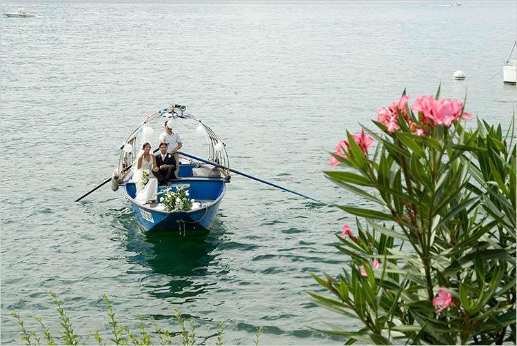 Servizio trasporto in barca a remi
