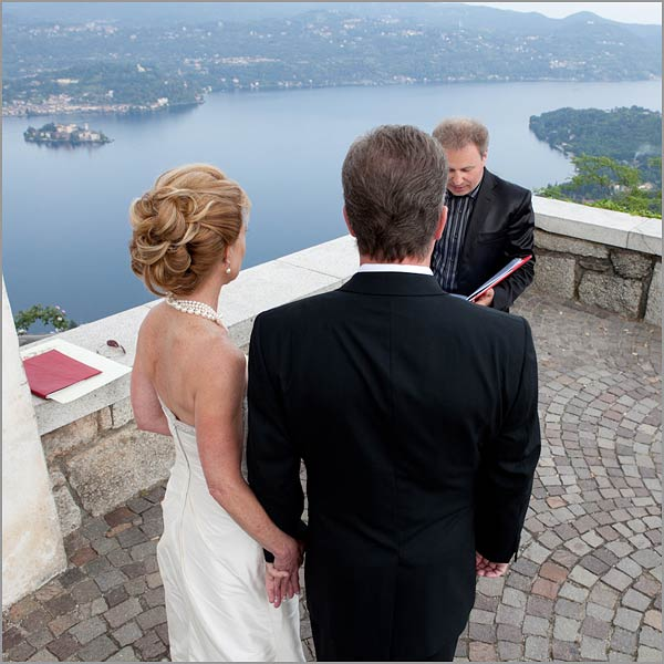 cerimonia matrimonio simbolico all'aperto