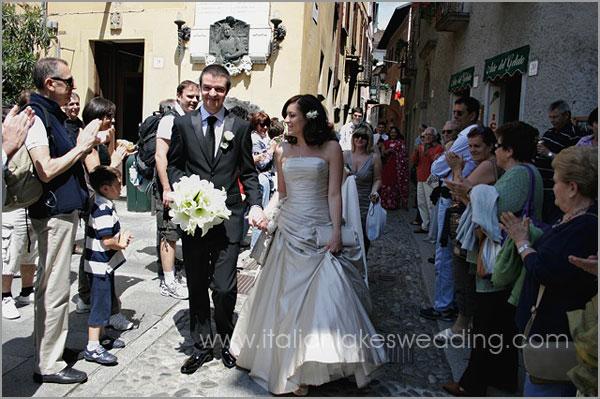 bouquet da sposa con gigli bianchi