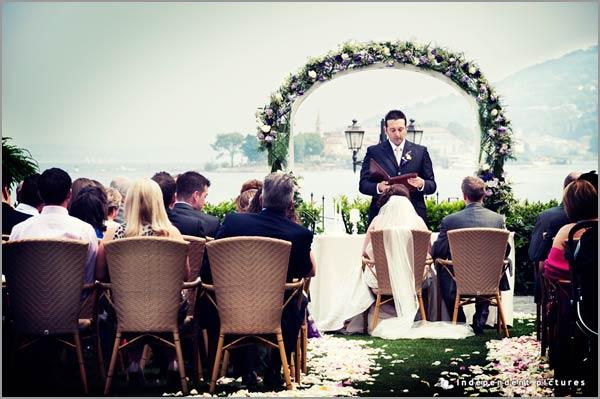 cerimonia matrimonio in giardino vista Lago Maggiore