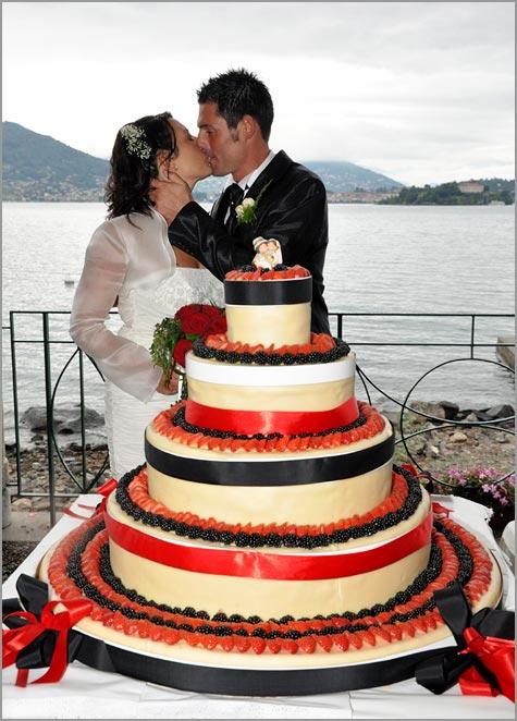 matrimonio rossonero sul Lago Maggiore