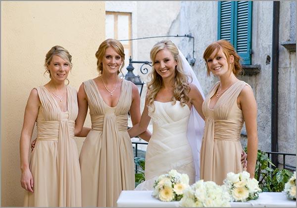abito beige damigelle sposa