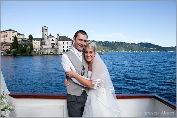 Noleggio battelli e motoscafi per matrimonio sul lago d'Orta