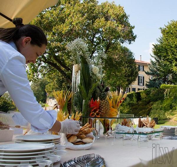 allestimento aperitivo a Villa Pestalozza