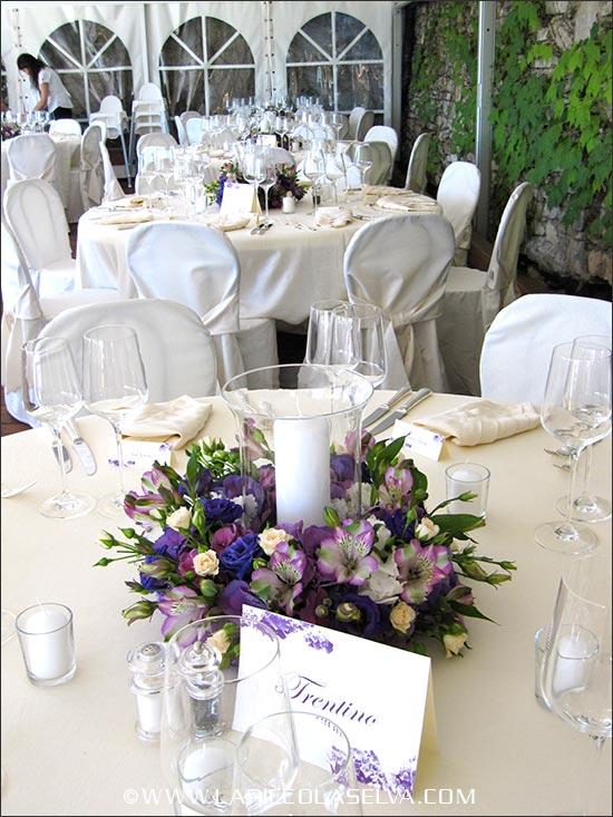 Centrotavola matrimonio con fiori di Alstroemeria