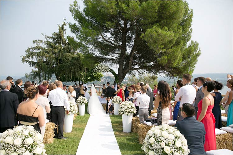 Celebrante matrimonio simbolico Rocca di Arona, lago Maggiore