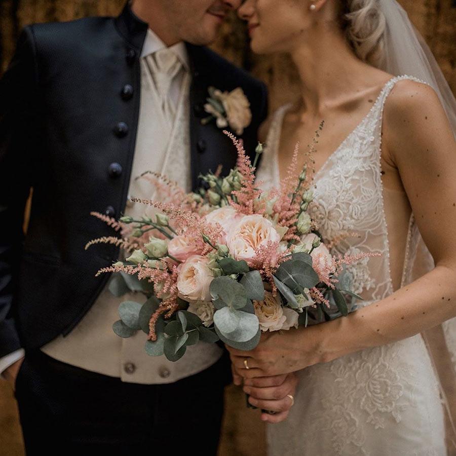 Bouquet con Astilbe rosa - foto Eleonora Ricappi