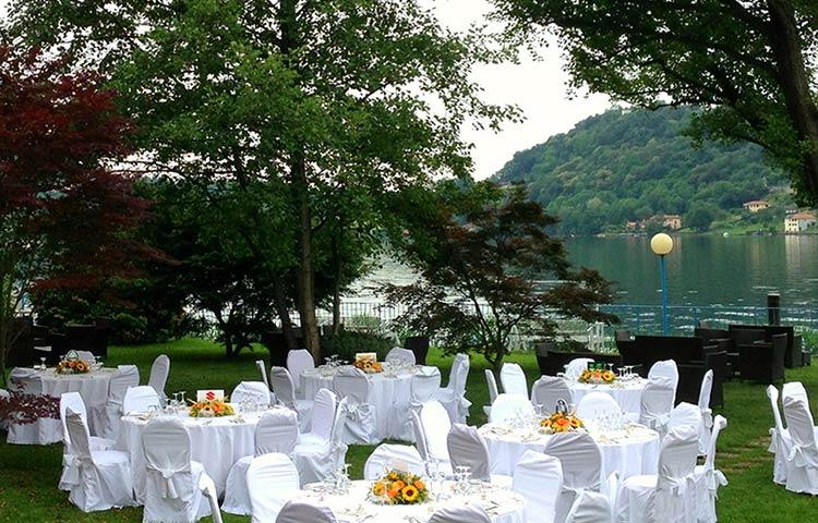 Pranzo nuziale all'aperto sul Lago d'Orta
